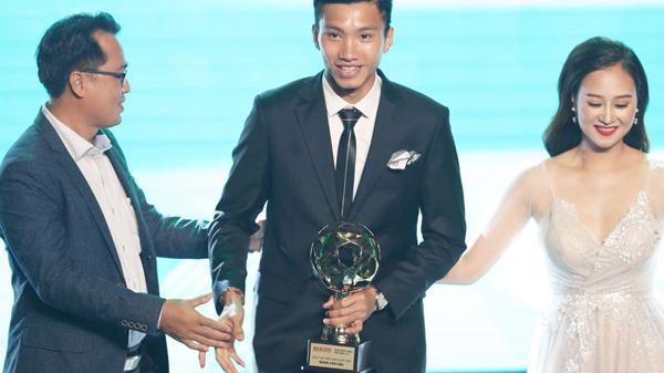 Đoàn Văn Hậu quê Thái Bình thắng giải Cầu thủ trẻ xuất sắc nhất năm 2018