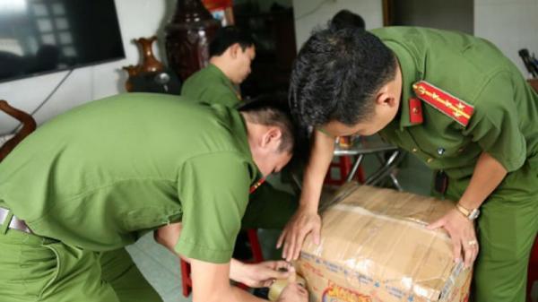 Bắt giữ đối tượng quê Thái Bình tàng trữ 3.000 quả pháo
