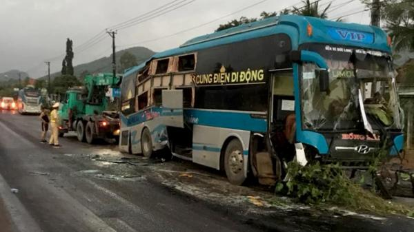 Hiện trường 2 xe khách Gia Lai 'nát bét' trong vụ TNGT 14 người thương vong