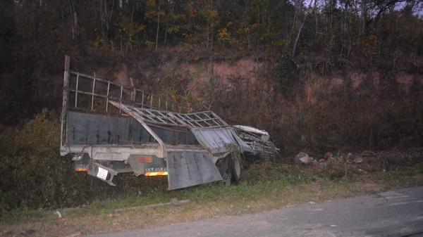 Gia Lai: Lật xe ô tô tải, 1 người ch.ết tại chỗ