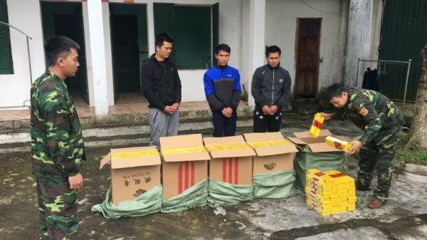 Cận Tết: Bắt giữ 3 đối tượng quê Thái Bình vận chuyển 2.500 bao thuốc nhập lậu