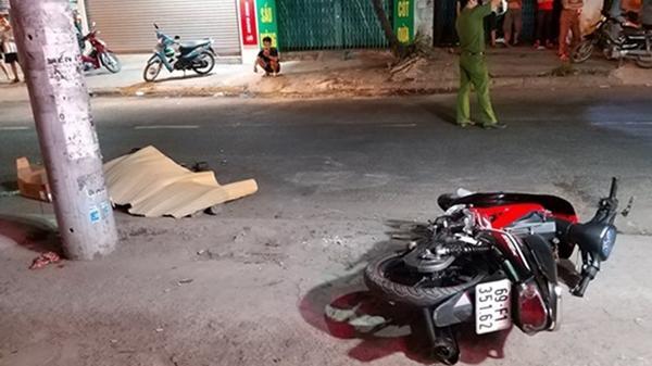 Xe container bỏ chạy sau khi tông chết nam công nhân đang đi làm về