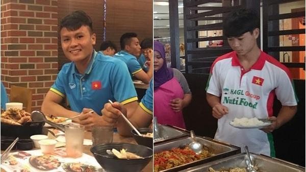 Món ăn yêu thích của các cầu thủ VN, bất ngờ với sở thích kỳ lạ của Đoàn Văn Hậu quê Thái Bình