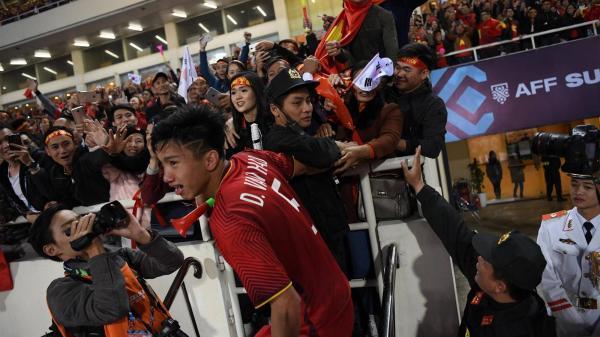 Tuyển Việt Nam thua Nhật Bản: Tuyệt vời rồi, về nhà thôi các chàng trai!