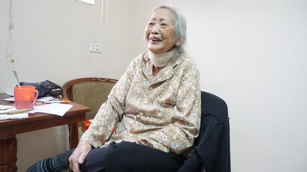 Bà cụ 86 tuổi quê Thái Bình quyết ly hôn chồng vì 'cả đời không một lần rửa bát' và những cái Tết xa nhà ở viện dưỡng lão