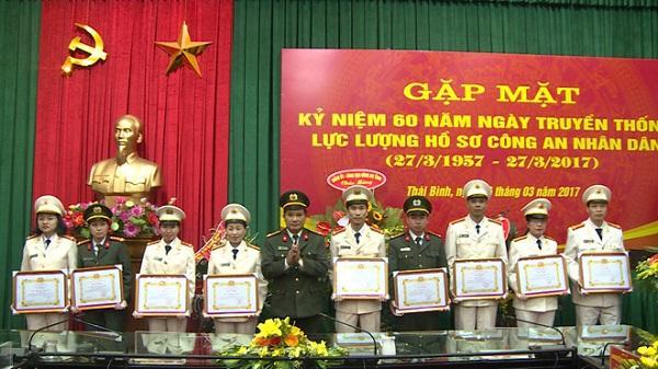 Thái Bình: Kỷ niệm 60 năm Ngày thành lập lực lượng Hồ sơ nghiệp vụ