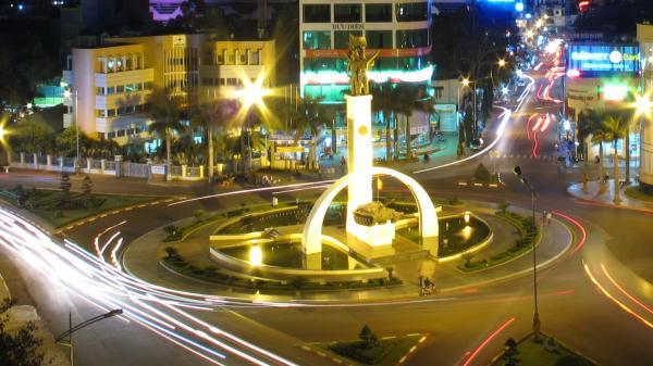 Buôn Ma Thuột thuộc top 10 thành phố tuyệt đẹp về đêm ở Việt Nam
