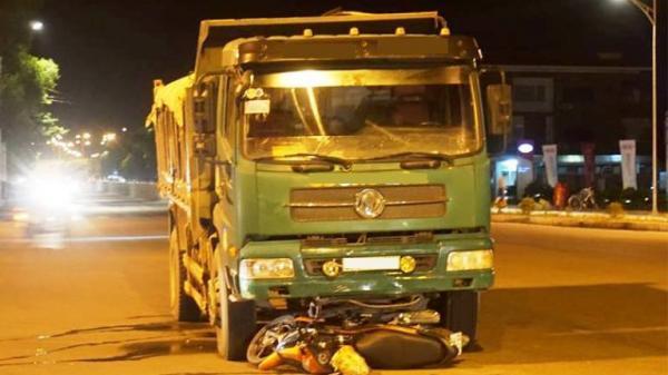 Va chạm với xe tải, một y sĩ quân y quê Thái Bình nguy kịch