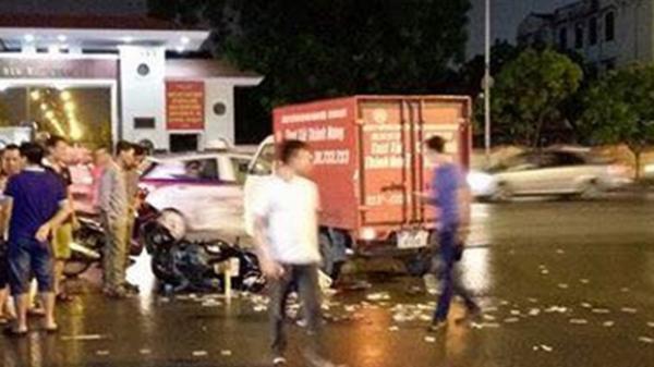 Thanh niên người Thái Bình lái xe máy tử vong sau va chạm với ô tô lúc trời mưa