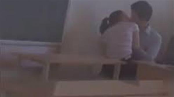 Nữ sinh trường chuyên Thái Bình tố thầy gạ tình: Thầy ở gần nhà hay gặp gỡ trao đổi với phụ huynh