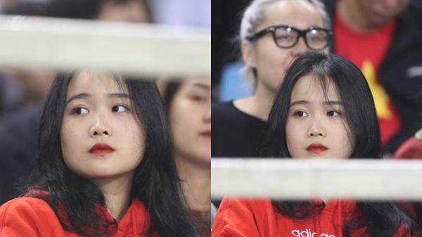 """Bạn gái hot girl của Văn Hậu quê Thái Bình """"tiếp lửa"""" U23 Việt Nam đấu Thái Lan"""