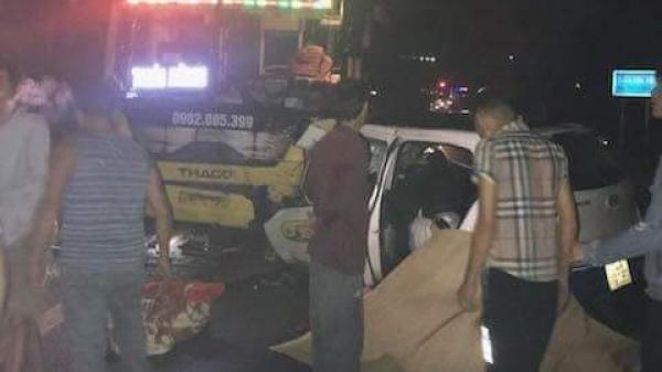 Taxi m.ất lái đ.âm tr.ực diện xe khách BKS Thái Bình khiến 5 người th.ương v.ong