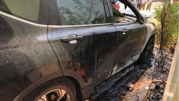 Nam Định: Ô tô tiền tỷ bỗng dưng phát n.ổ, bốc cháy ng.ùn ng.ụt giữa trưa nắng