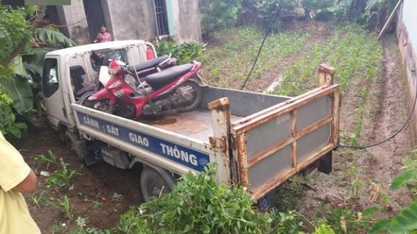 Thái Bình: Xe cảnh sát giao thông m.ất l.ái t.ông thẳng vào nhà dân, cô gái 9x bị đ.âm trọng th.ương