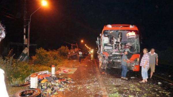 Hàng chục người thương vong sau vụ tai nạn liên hoàn trên đường mòn Hồ Chí Minh
