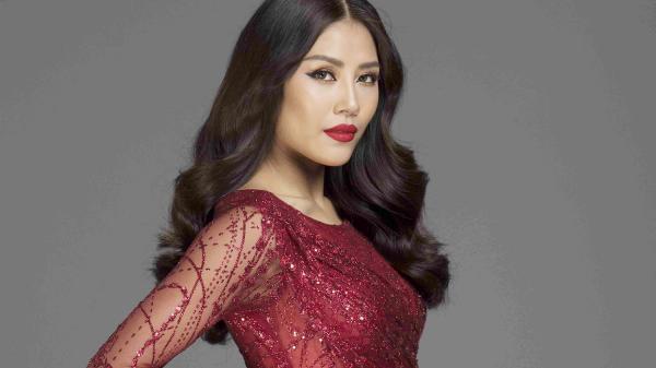 Nguyễn Thị Loan: Người đẹp gốc Thái Bình lộ ảnh chuẩn bị dự thi Hoa hậu Hoàn vũ thế giới 2017?