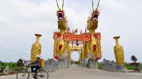 Rộ tin đồn đôi rồng vàng khổng lồ ở Thái Bình vi phạm xây dựng, lãnh đạo xã phản pháo
