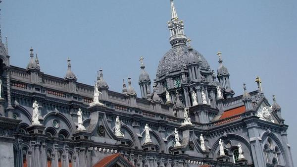 """""""Ngất lịm"""" với Nhà thờ đẹp tráng lệ, ngỡ như """"check-in"""" trời Tây ngay ở Thái Bình"""