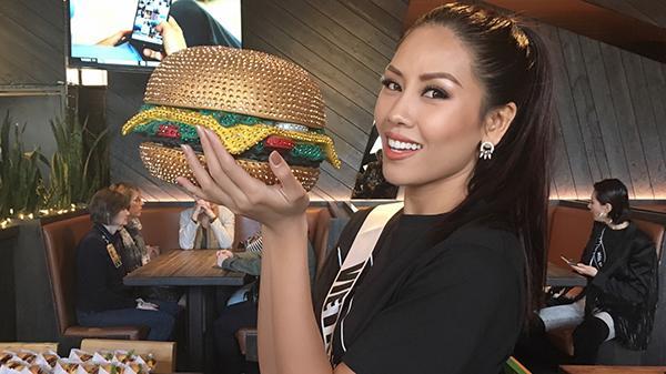 """Nguyễn Thị Loan: """"Sự ủng hộ của khán giả quê nhà Thái Bình và cả nước cho tôi thêm sức mạnh tại Hoa hậu Hoàn vũ"""""""