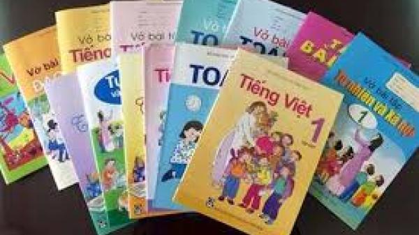 """Chọn SGK lớp 1: """"Tận dụng"""" ưu điểm từng bộ sách"""