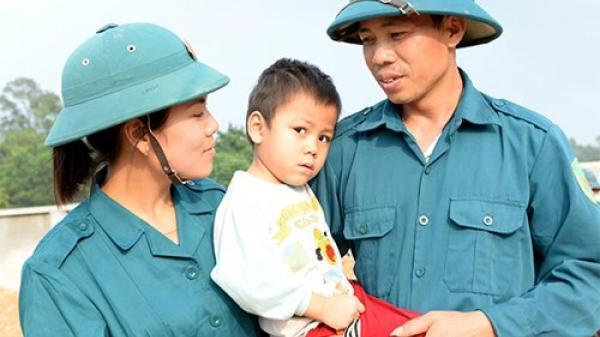 Về Thái Nguyên, bên sông Cầu gặp vợ chồng dân quân bắn giỏi