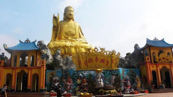 Chùa Thiêng Thác Vàng – một địa điểm du lịch tâm linh tại Hồ Núi Cốc