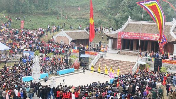 Đầu năm du xuân về với Thái Nguyên: Tưng bừng lễ hội Núi Văn - Núi Võ