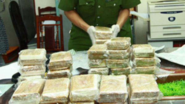 HOT: Bắt giữ nhóm buôn ma túy lớn tại Thái Nguyên