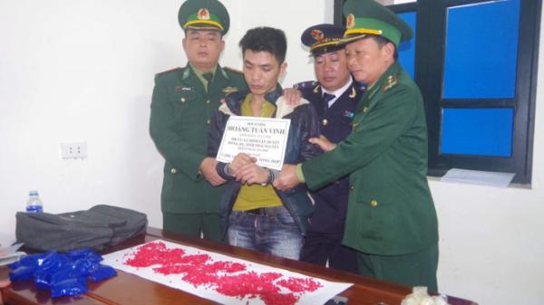 Tóm gọn người đàn ông trú ở Thái Nguyên vận chuyển hàng nghìn viên ma túy từ Lào về Việt Nam tiêu thụ
