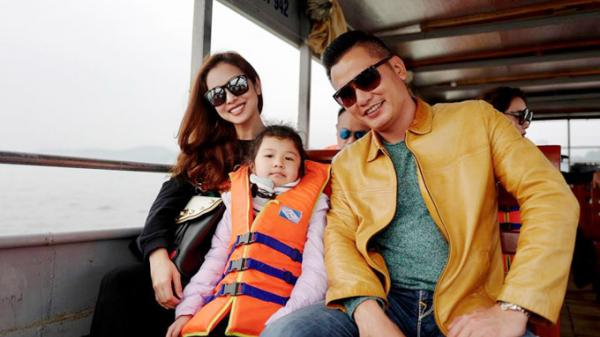 Thích thú với hình ảnh Jennifer Phạm được ông xã cõng khi đi chơi cuối tuần ở Hồ Núi Cốc (Thái Nguyên)
