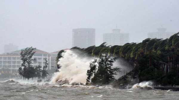 """Việt Nam """"đón"""" bao nhiêu cơn bão từ nay đến cuối năm?"""