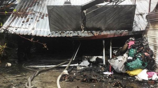 Thương tâm: Cháy nhà giữa trời mưa, 1 cụ bà t.ử v.ong, nam thanh niên vào cứu bị điện giật chấn thương