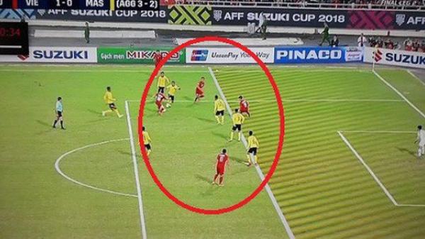 CĐV Malaysia nổi đ.iên với trọng tài, cho rằng Việt Nam ghi bàn trong thế việt vị