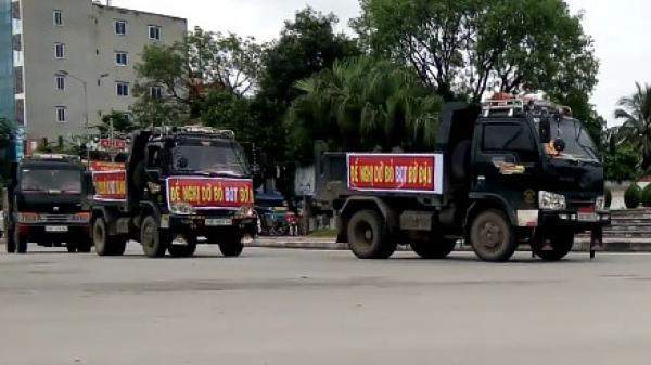 Gần 10 ôtô diễu hành phản đối trạm BOT ở Thái Nguyên