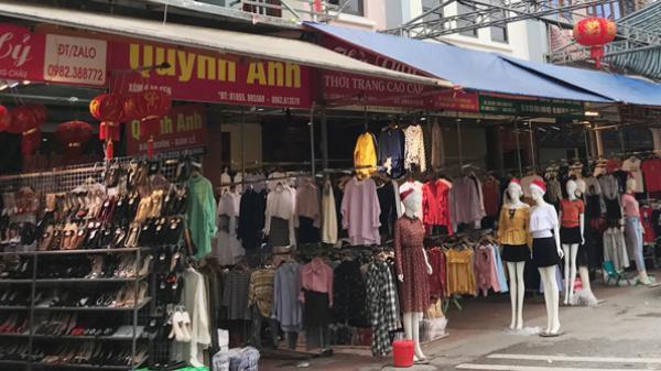 """Áo chợ Ninh Hiệp với giá 70 nghìn đồng, ra Thủ đô """"hô biến"""" thành hàng hiệu"""