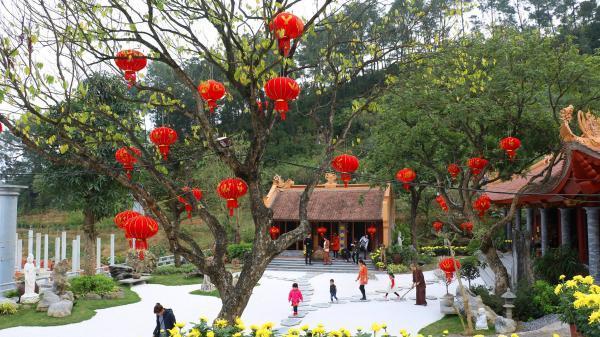 Chiêm ngưỡng ngôi chùa đẹp như trong phim, đang 'hot' rần rần miền Bắc