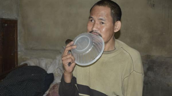 Thái Nguyên: Cuộc sống khốn khó, vợ con bỏ đi của người đàn ông mất ý thức sau tai nạn