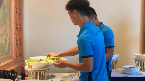 Asian Cup 2019: Cầu thủ Việt Nam uống nhân sâm mỗi sáng