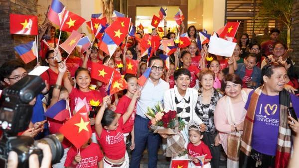 Fan Philippines mặc áo Cờ đỏ sao vàng, nồng nhiệt đón chào H'Hen Niê khiến mỹ nhân Việt suýt khóc