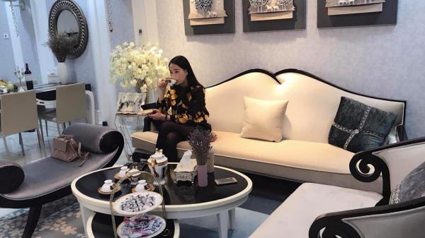 'Quỳnh búp bê' Phương Oanh sống như bà hoàng trong căn hộ tiền tỷ sang như khách sạn