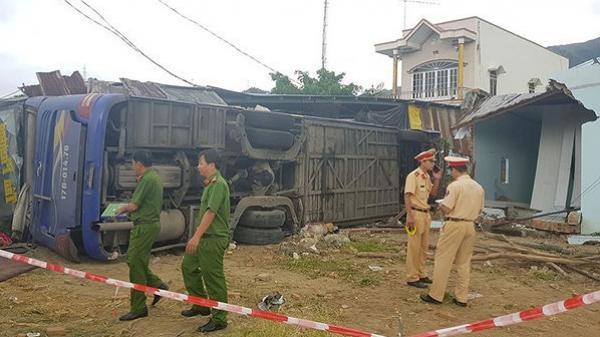 Khánh Hòa: Nguyên nhân xe giường nằm tô.ng sập nhà, 37 người nhập viện