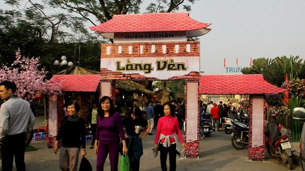 Hải Phòng: Khai mạc chợ quê làng Vẻn thu hút đông đảo du khách thập phương