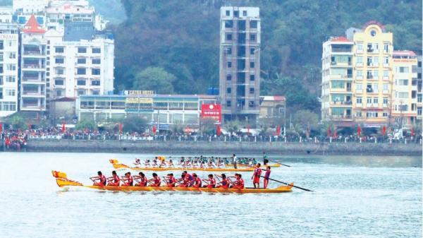 Lễ hội đua thuyền ở Hải Phòng mang đậm truyền thống văn hóa dân gian