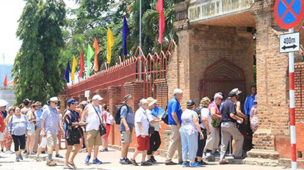Khánh Hòa: 2 tháng, đón hơn 1 triệu lượt khách lưu trú