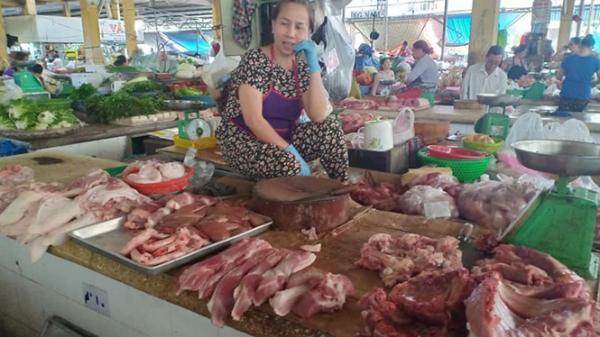 Khánh Hòa: 'Thịt lợn chợ' an toàn như 'thịt siêu thị' nhưng vẫn ế
