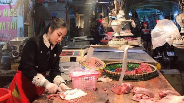 """Bỗng nổi tiếng sau bức ảnh đứng bán thịt, 9x Bắc Ninh bị chỉ trích """"làm màu"""" chỉ vì một lý do"""