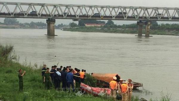 Bắc Ninh: Đã tìm thấy thi thể nữ sinh tự tử ở cầu Hồ