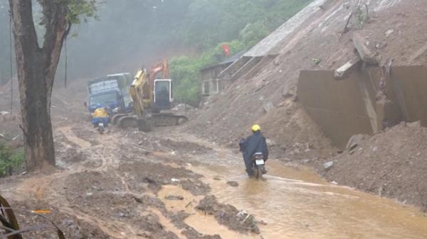 Mưa dông diện rộng: CẢNH BÁO lốc tố, mưa đá, sạt lở đất tại Bắc Kạn