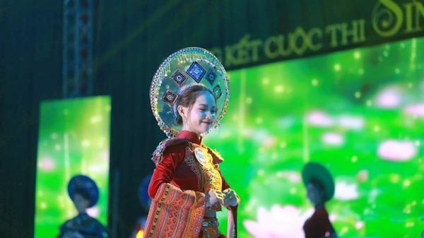 Thái Nguyên: Ngả nghiêng trước vẻ đẹp tựa thiên thần của nữ sinh Lào học tại Việt Nam