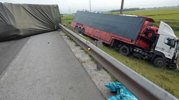 Tai nạn liên hoàn, 4 xe ô tô tông nhau bét phần đầu